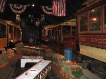Halloween-Deko im Shoreline Trolley Museum