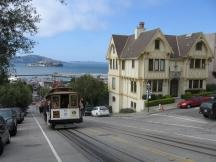 Cable Car an der Ecke Hyde/Francisco Sts in San Francisco